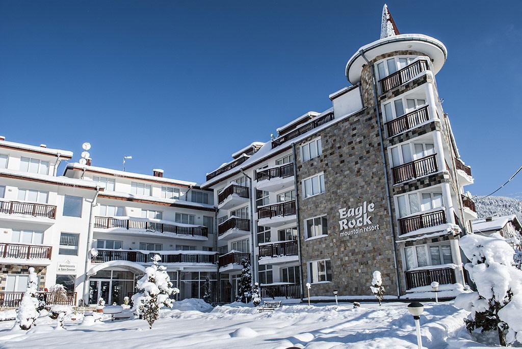 Eagle Rock Apartment complex, Beli Iskur