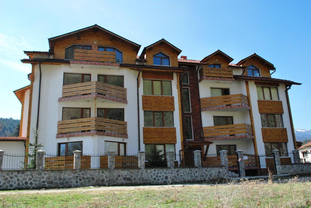 Riverside Complex, Madjare